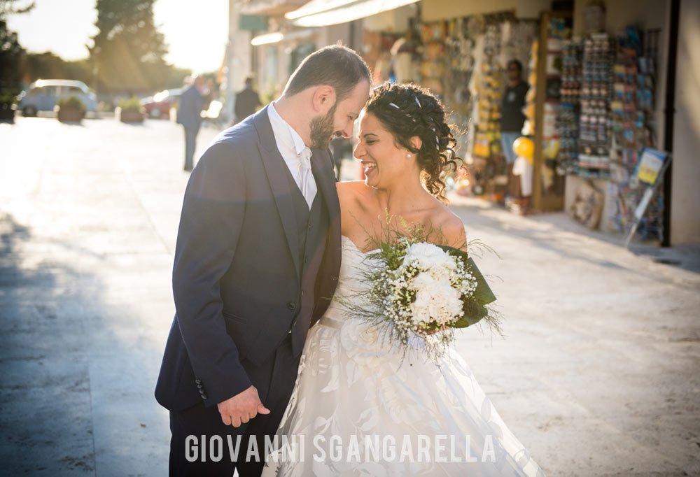 Reportage di matrimonio sposi a Paestum