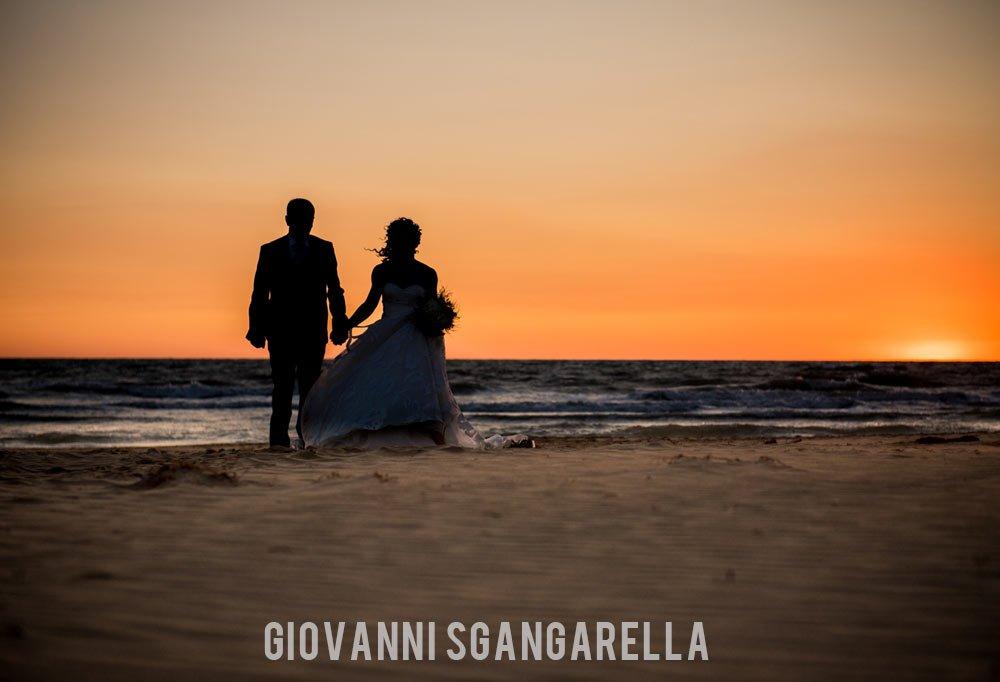 Sposi tramonto a Paestum